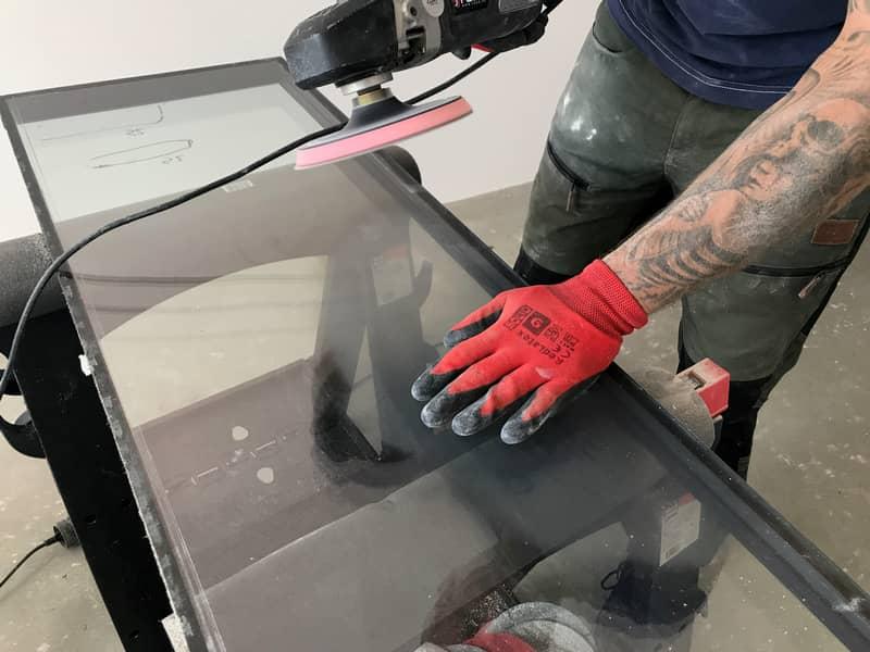 Polerowanie szyb okiennych – czy warto i czy jest to opłacalne?